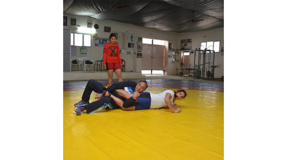 Picking Up An Ankle With A Mat Finish